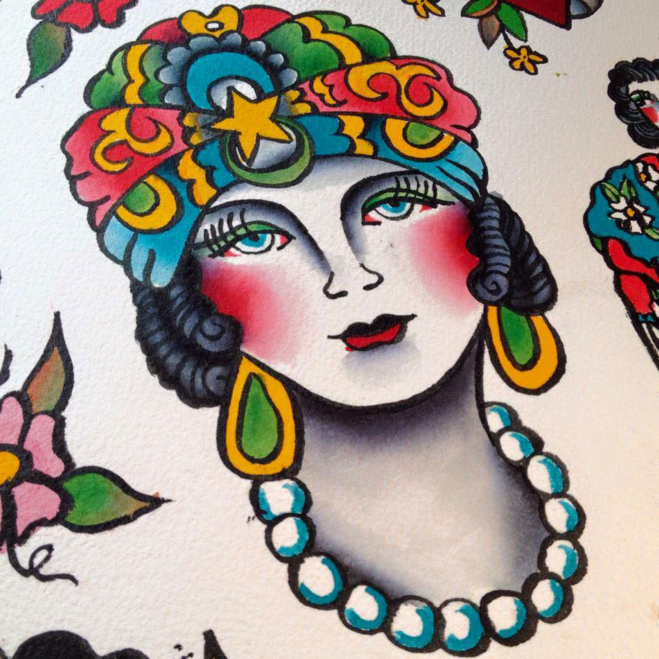 montreal-tattoo-parlor-lady1